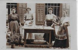 AK 0263  Frauen - Personal , Hausbedienstete / Feier Mit Sekt Um 1916 - Frauen