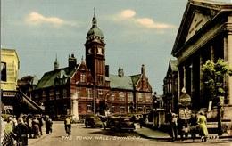 CPA The Town Hall, Swindon - Animée - Angleterre