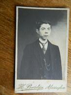 ALVERINGHEM :TRES BELLE PETITE PHOTO SUR CARTON D'UN JEUNE HOMME  FAIT CHEZ H.BARDIJN LE 18/10/1915 - Alveringem