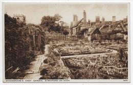 Shakespeare's Knot Garden - Stratford-on-Avon - Stratford Upon Avon