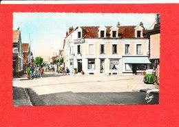 80 SLE CROTOY Cpsm Petite Animation Hotel Des Sports Rue Carnot  437 Edit Luc * Format 14 Cm X 9 Cm - Le Crotoy