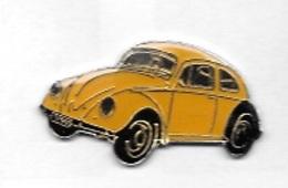 Pin's  Ville, Automobile  V W  Coccinnelle  Jaune - Volkswagen