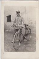 MILITARE CON BICI SOLDIER WITH BICYCLE - FOTO ORIGINALE 1915 - Guerra, Militari