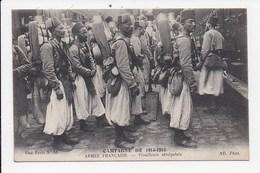 CPA MILITARIA ARMEE FRANCAISE Tirailleurs Sénégalais - Régiments