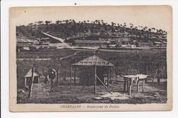 CPA MILITARIA CHAMPAGNE Basse Cour De Poilus - Guerres - Autres