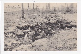 CPA MILITARIA Mitrailleuse Dans La Tranchée - Guerre 1914-18