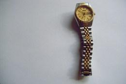 BELLE MONTRE SEIKO QUARTZ 3Y03 0160 VINTAGE TRES BON ETAT A REVISER Port 3 € - Watches: Modern