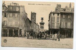 12 MILLAU Animation Fontaine Vieille Place Beffroi Le CAFE Du Peuple 1910   D09 2019 - Millau