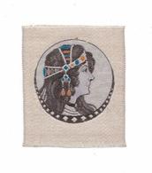 Style Mucha, Profil De Femme Art Nouveau Soie Tissée (Saint-Etienne Ou Lyon) Pour Inclusion Sur Carte Postale, 4,6 X 5,5 - Cartes Postales