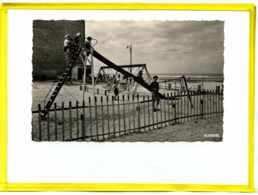 Bray-Dunes. Jeux D'enfants Edit La Cigogne.  5910753 - Bray-Dunes