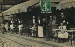 #200619E - Carte Photo METIER Café Cafetier Commerce - Fillette Poupée Pharmacie - Cachets Indre Le Blanc Ingrandes - Autres