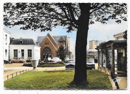 Cpsm: 93 DRANCY (ar. Bobigny) Square De La Mairie Et Nouvelle Eglise (Voitures 403, Renault 8, Mobylettes) N° 8114 - Drancy