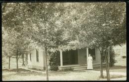 Ref 1309 - Early Real Photo Postcard - Elsie Crum At Her Home Witchita Kansas USA - Wichita