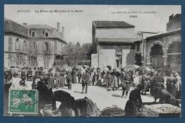 BRIOUDE - La Place Du Marché Et La Halle - Brioude