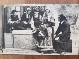 Pont-l'Abbé.chez Le Brodeur.cliché Différent,variante.coiffe Costume.édition Villard 1300 - Pont L'Abbe