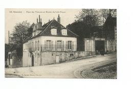 CPA 58   CLAMECY - Place Des Victoires Et Montée Du Crôt-Pinçon - - Clamecy