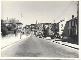 16 ANGOULEME - PHOTO ORIGINALE - SILLAC ROUTE DE BORDEAUX 1939 S.C.A. GARAGE CAFE POMPE A ESSENCE - Other Municipalities