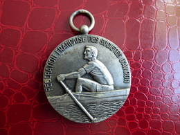 Medaille  FEDERATION FRANCAISE D'AVIRON - Professionnels / De Société