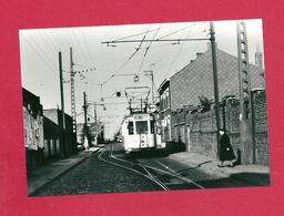 Photo  Dour = 1966   TRAM  Ligne 2 Barré   Au  Premier  évitement Après Le Départ  De  TRICHERIE - Photos