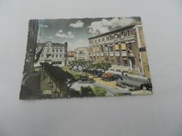 Cp  Montaubant  Place  Des Martyrs   Et La Poste - Montauban