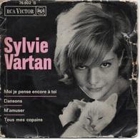 45T. Sylvie VARTAN.  Moi Je Pense Encore à Toi  -  Dansons  -  M'amuser  -  Tous Mes Copains - 45 Rpm - Maxi-Single