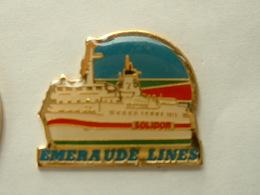 PIN'S BATEAU - EMERAUDE LINES - SOLIDOR - Boats