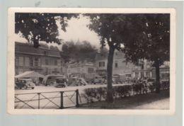 CP (51) Sainte-Menehould  -  Place D'Austerliz -  Voitures Et Camionettes - Sainte-Menehould