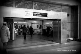 Puteaux (92)- Métro- Station Esplanade De La Défense (Edition à Tirage Limité) - Métro