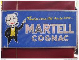 TÔLE PUBLICITAIRE - COGNAC  MARTELL - Format : 31 X 15,5 Cm - Années 70 - Advertising (Porcelain) Signs