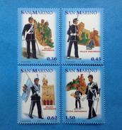 2005 SAN MARINO FRANCOBOLLI NUOVI STAMPS NEW MNH** LA MILIZIA UNIFORMATA - Nuovi