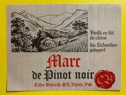 10690 - Marc De  Pinot Noir Valais Suisse Cave Bayard - Etiquettes
