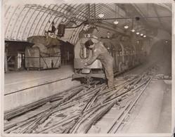 DRIVERLESS LONDON UNDERGROUND MAILWAY ELECTRIC TRAIN  PADDINGTON TO WHITECHAPEL M 26*20CM Fonds Victor FORBIN 1864-1947 - Trenes