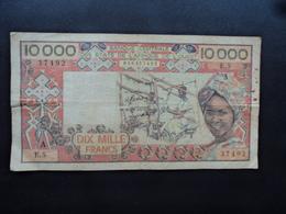 CÔTE D'IVOIRE : 10 000 FRANCS  ND Signature 11   P 109Aa    TB+ * - Côte D'Ivoire
