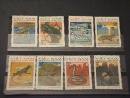 VIETNAM - 1975 RETTILI 8 VALORI - NUOVI(++) - Vietnam