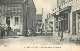 77 THOMERY BY  Carrefour Et Route De Thomery   2 Scans - Autres Communes