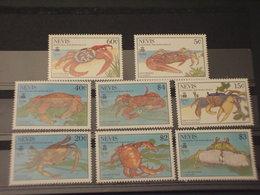 NEVIS - 1990 GRANCHI 4 + 4 VALORI - NUOVI(++) - St.Kitts E Nevis ( 1983-...)