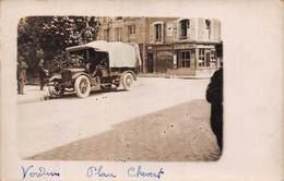 Verdun (55) - Place Chevert - Carte Photo - Automobile Voiture Ancienne - Verdun