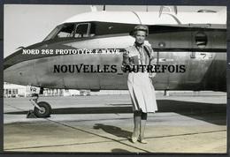 2 PHOTOS ORIGINALES DE JACQUELINE AURIOL ( PERPIGNAN 1967) - NORD 262 F-WKVR PROTOTYPE - DOCUMENTS RARES. - Célébrités