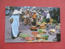 Vietnam   Saigon  Market   Military Free Cancel   Ref 3427 - Vietnam