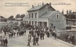 63 - St-Gervais-d'Auvergne - La Gare De St-Gervais-Chateauneuf, La Cour De La Gare (musique, Pompiers, Diligence) - Saint Gervais D'Auvergne