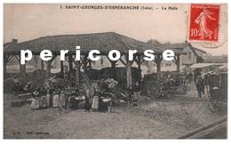 38  Saint Georges D'Espéranche  La Halle Jour De Marché - Autres Communes