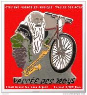 SUPER PIN'S CYCLISME-RANDO-ANIMATIONS : LOIRET, Courses Nature Du Donjon - La Vallée Des Roys émaillé Grand Feu Argent - Cycling