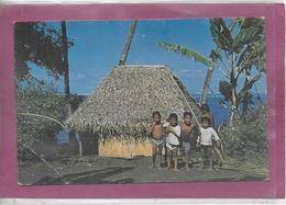 TAHITI .- Petits Tahitiens Posants - Tahiti