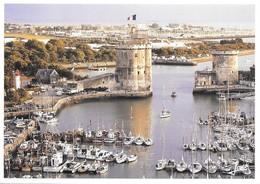 17 La Rochelle Le Vieux Port (2 Scans) - La Rochelle