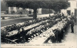 56 - ROCHEFORT En TERRE -- Noce Bretonne - Le Repas En Plein Air - Rochefort En Terre