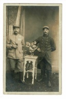 Carte Photo Studio Wilhelm Dörr, Eiserfeld - Prisonniers Dont Un Du 76e RI - 21 Avril 1918 - Militares