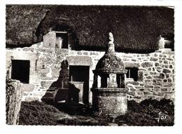 29 PONT AVEN N°4518 Le Beau Puits De Keramperchec Daté De 1783 Maison Au Toit De Chaume - Pont Aven