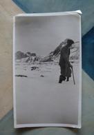 Homme Dans La Neige Au Plateau De Cenise, Petit Bornand Hte-Savoie - Septembre 1931 - Lieux