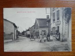 """Belle CPA Très Animée  """"JESSAINS - Rue De La Gare"""" (2)   Café  GRANDDIDIER   Non Circulée    Bon état - France"""