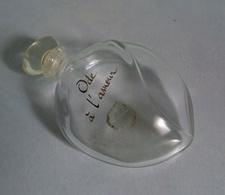 """Flacon Avec Bouchon""""ODE A L'AMOUR """" D'Yves ROCHER Eau De Toilette 30 Ml VIDE/EMPTY - Bottles (empty)"""